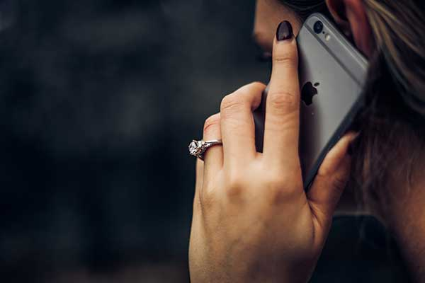 The No. 1 Reason You Should Call Instead of Text, According to Science