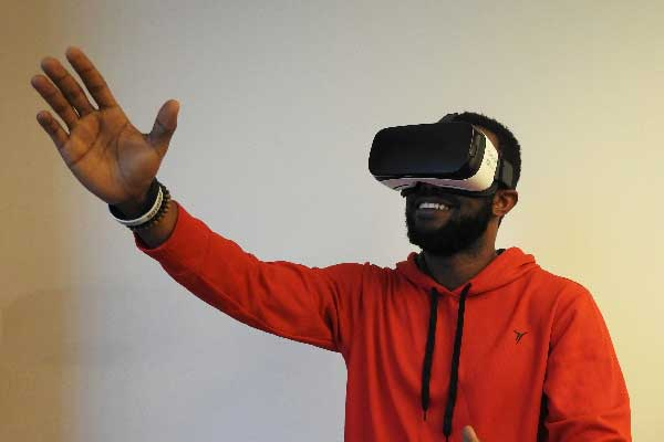 Virtual Reality Experiences May Have Mood-Boosting Benefits